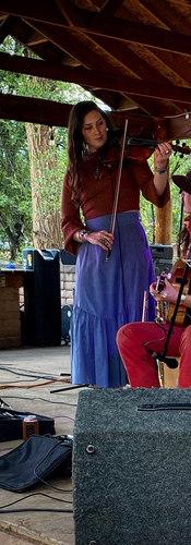 Upadowna Folk and Flannel