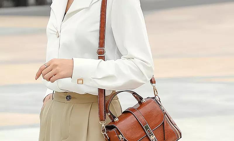 Classic UK vintage style Women shoulder leather bag