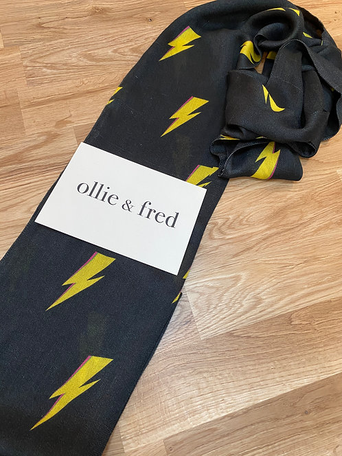 lightning bolt scarf, david bowie scarf, bowie scarf, music scarf, music gift ideas,skinny scarf