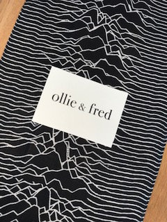 ollie and fred,unknown pleasure scarf,unknown pleasures scarf,joy division scarf,joy division gifts,music gifts