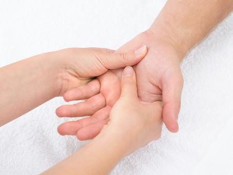 Ortopedista alerta para dor e dormência na mão