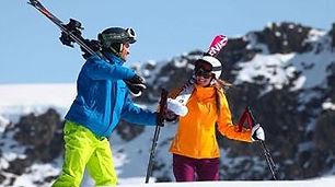 coule-skis-on-shoulders_2249.jpg