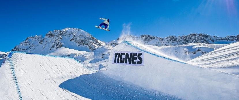 Tignes snowboard_edited.jpg