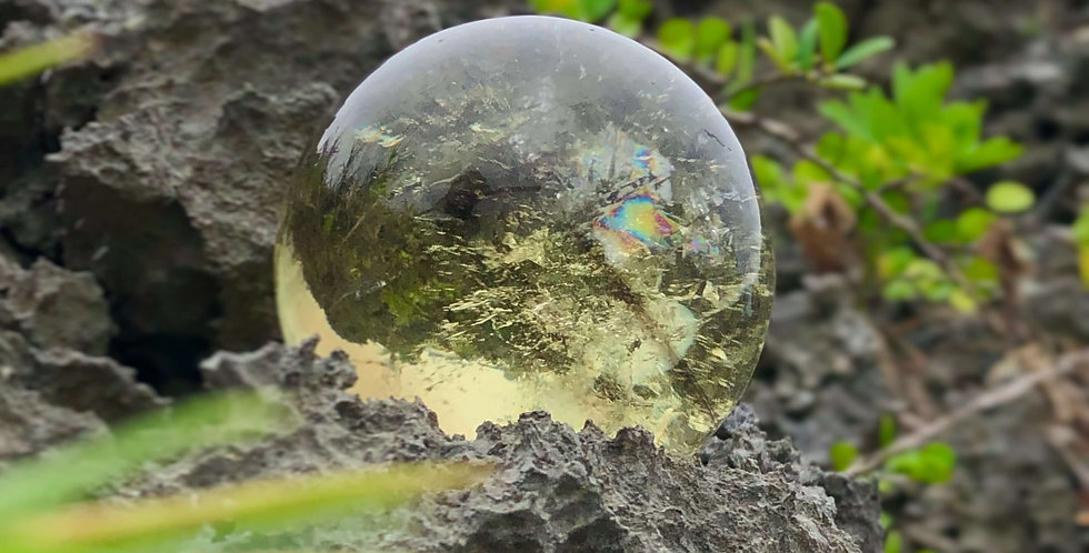 黄水晶(ファントム)-レインボー含 丸玉置物 66mm玉