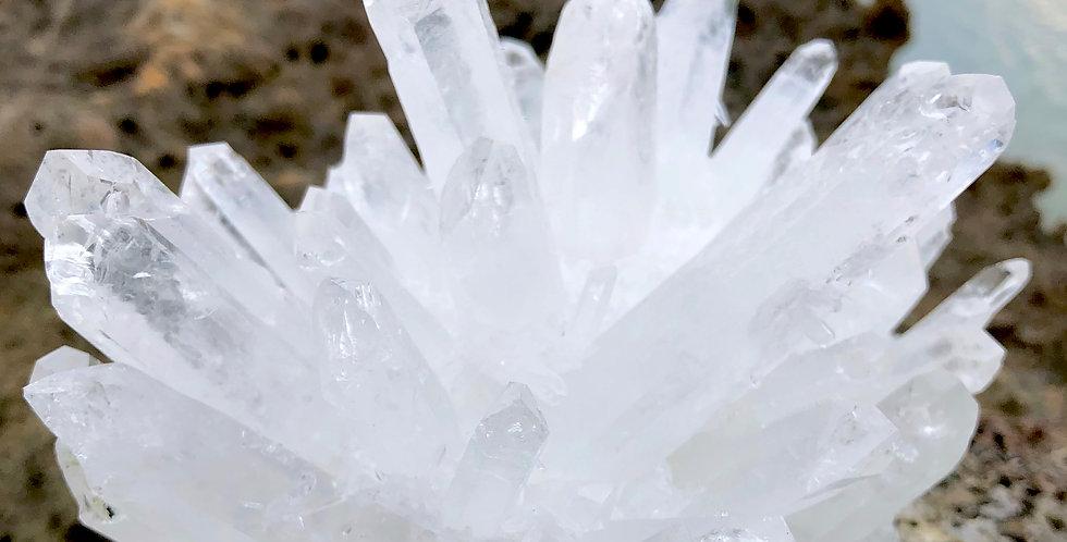 深層のネガティブを浄化する、クリスタルクォーツ(Crystal Quartz)