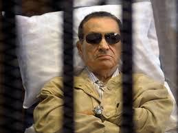 Sąd skazał Mubaraka i jego synów na trzy lata więzienia