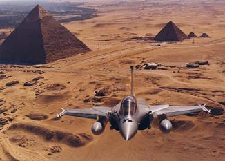 Egipt odebrał we Francji pierwsze z zamówionych myśliwców Rafa
