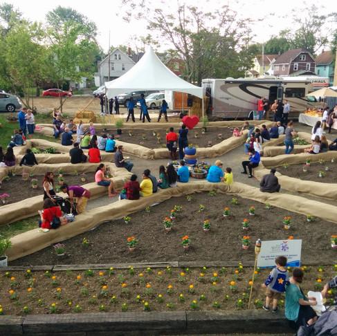 How to build a garden plaza