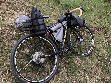 今度はバイクパッキング スタイルで京都のキャンプ場へ