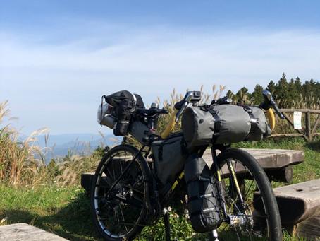 秋の高原にバイクパッキング スタイルでキャンプしてきました。