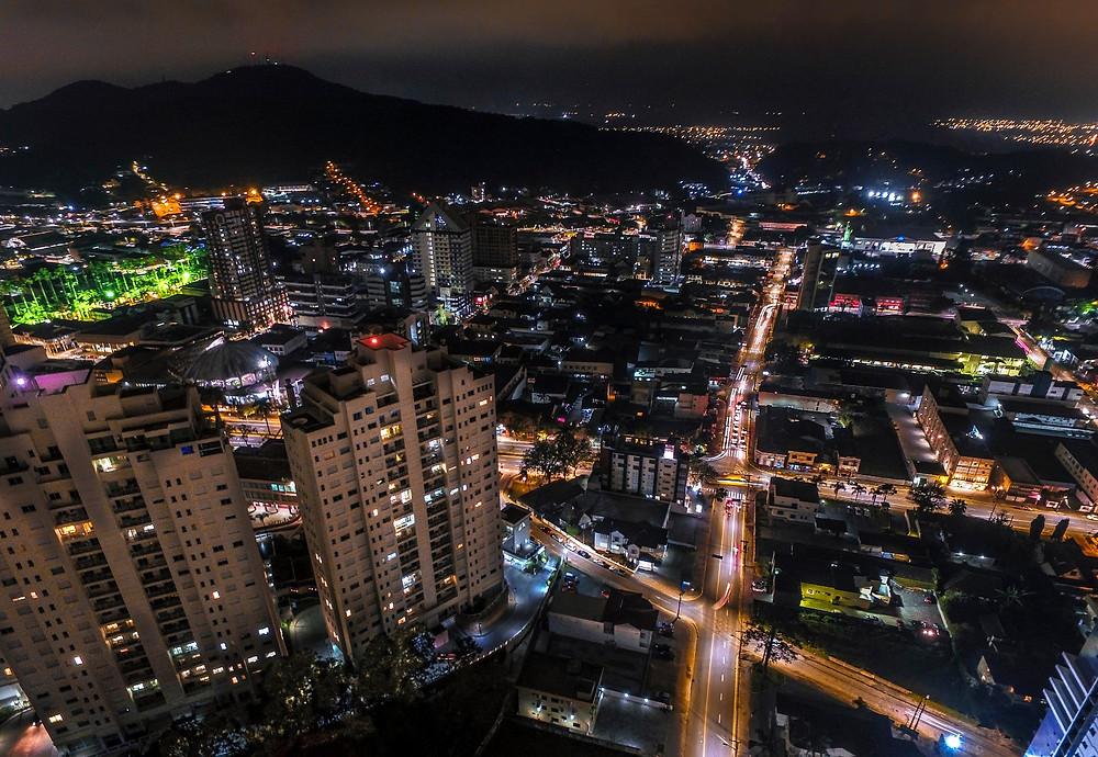 Visão noturna no clic de Juliano Cruz