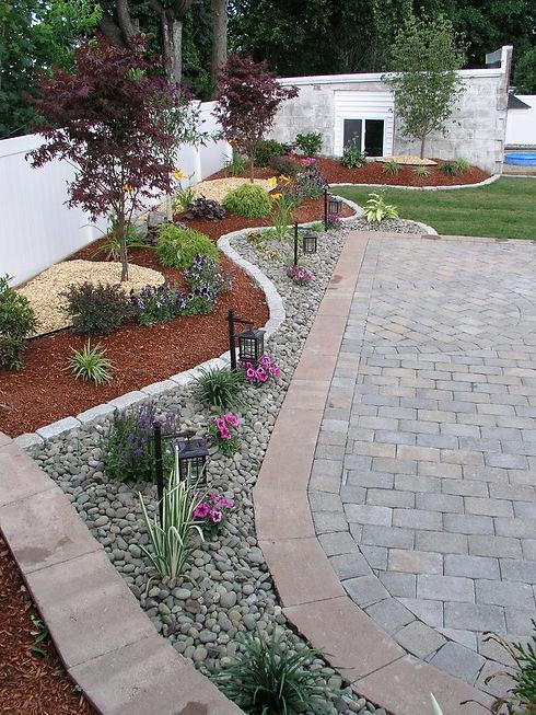 10-backyard-landscaping-ideas-keeping-we