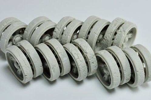 Damaged T/54 or T/55 Road wheels 1/35