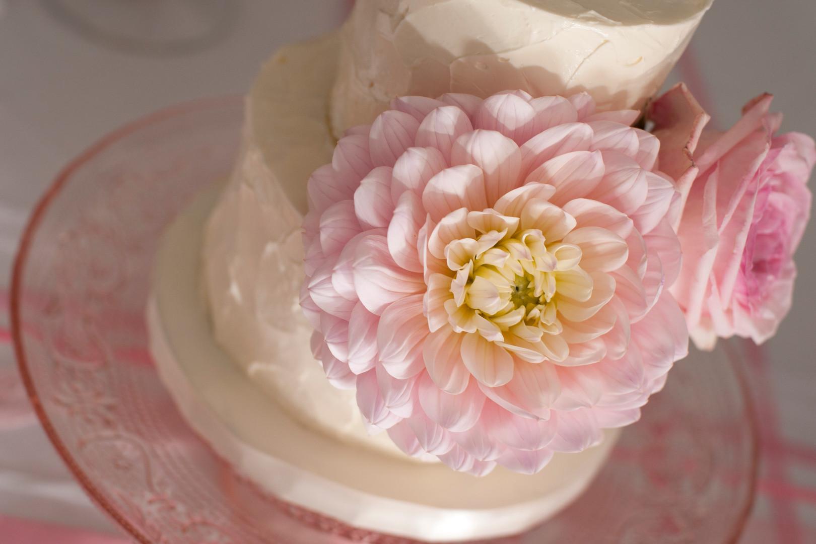 Floral & Field Wedding Cake Flowers