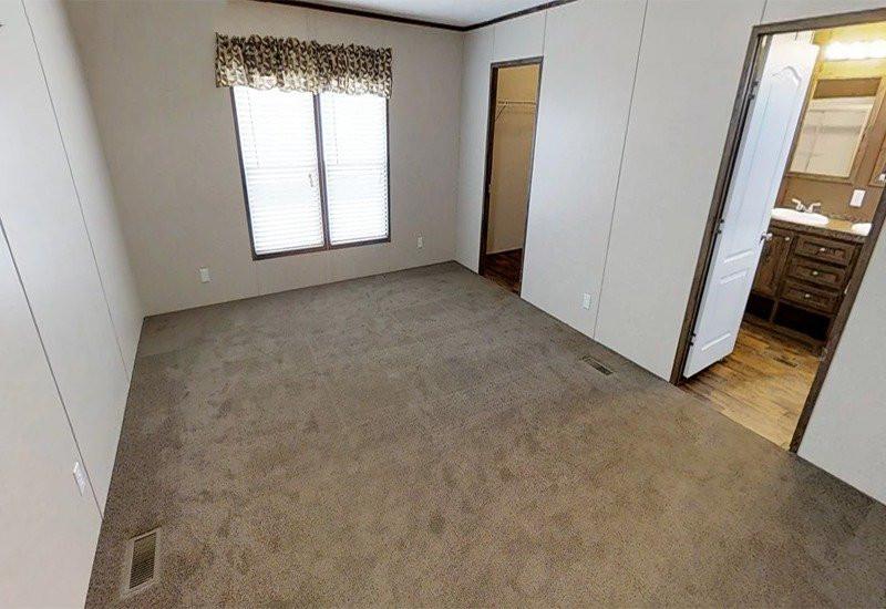 Stonebridge-Master-Bedroom2.jpg