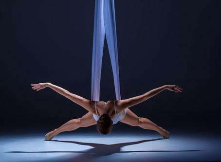Överlåtelse genom rörelse och dans