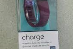 Fitbit FB404BYL Charge = Burgundy Large