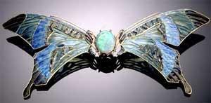 Fivela (1903-04) René Lalique (França, 1860-1945) Ouro, esmalte, opala, safira