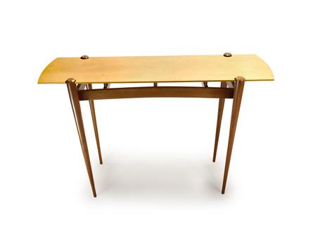 Gazelle Table
