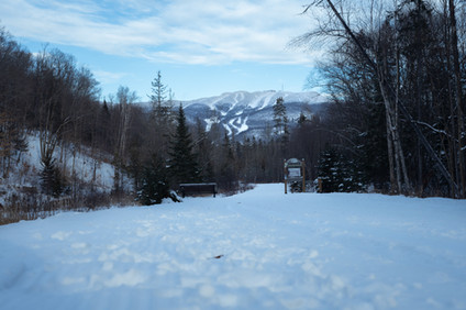 Le Villageois Trail - Access behind Chal