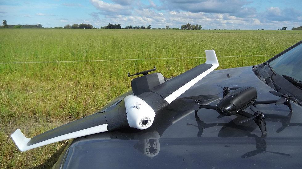 dron ala fija en el campo