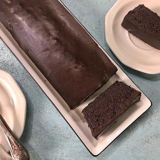 עוגת שוקולד בציפוי גנאש שוקולד, מקמח טף*