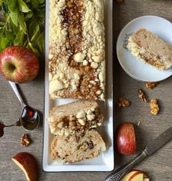 עוגת תפוחים, מייפל, אגוזים וקראמבל