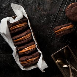 קסטה שוקולד וקרמל עם קמח טף