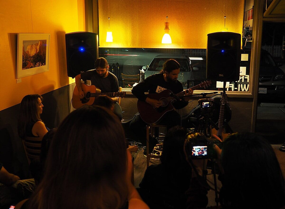 SaltzMedia image of Crepuscle live at Cafe Zoe