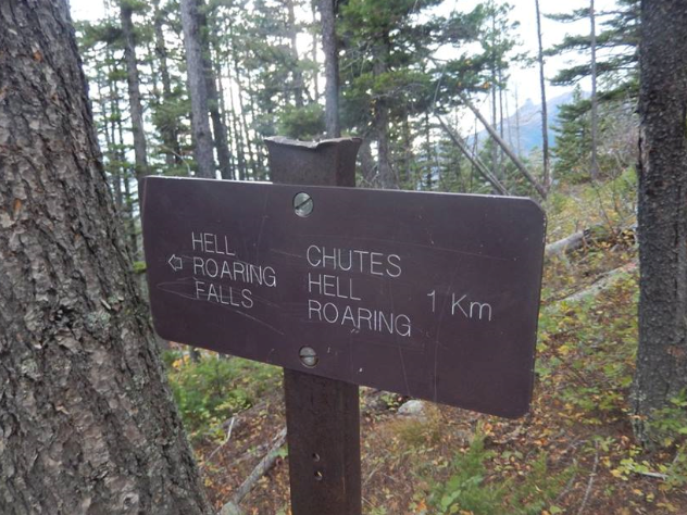 Sign at the top of the loop
