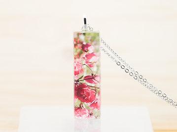 Fleurs de rosiers, pendentif