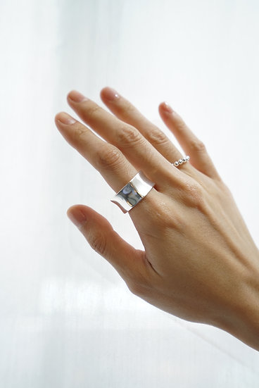 Silver ring 'd'