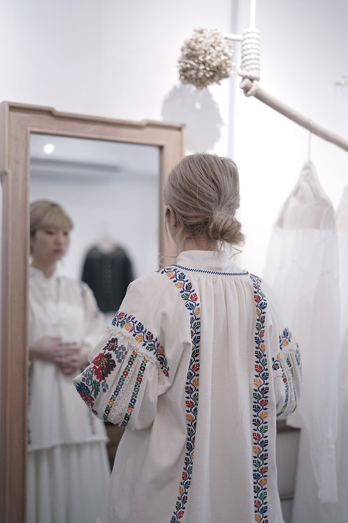JAPAN - embroidery top