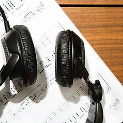 耳機和樂譜