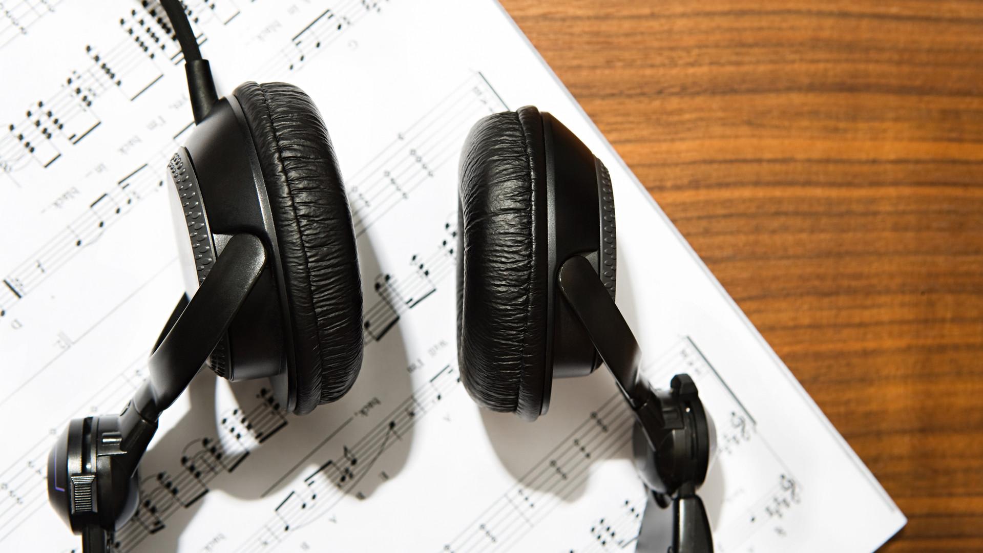 Kulaklık ve nota