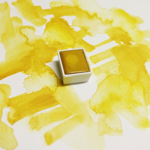Yellow Ochre Magnetised Watercolour half pan