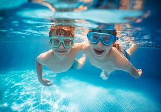 kids-swimming-in-pool.jpg