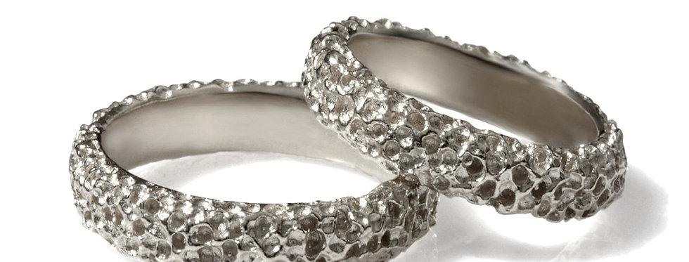 סט טבעות נישואין זהב לבן טקסטורת אלמוגי ים