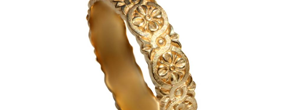 טבעת נישואין קשר קלטי פרחונית שוליים גליים