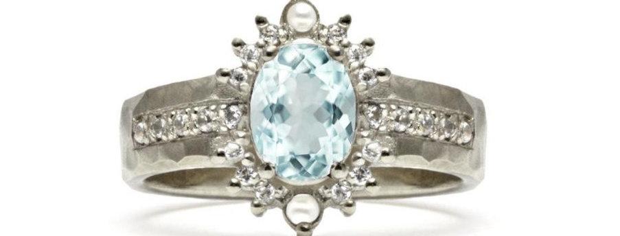 'טבעת זהב ואקווה-מרין 'כתר המזרח