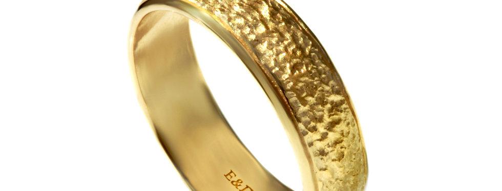 טבעת נישואין ריקועי כורכר זהב