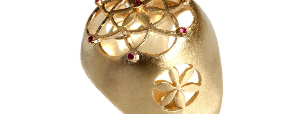 טבעת פרח הנסיכה משובץ רובי