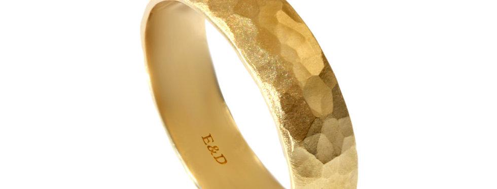 טבעת נישואין ריקועי אור וצל