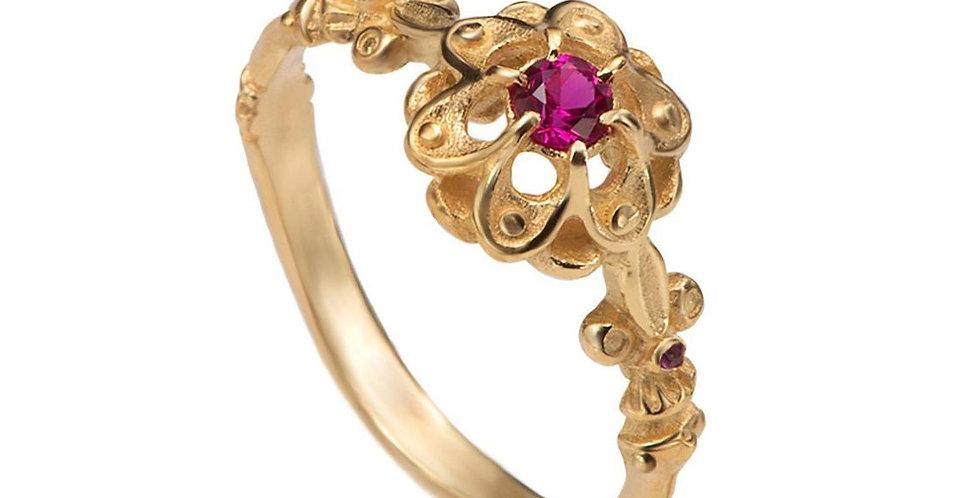 טבעת זהב עתיקה משובצת רובי