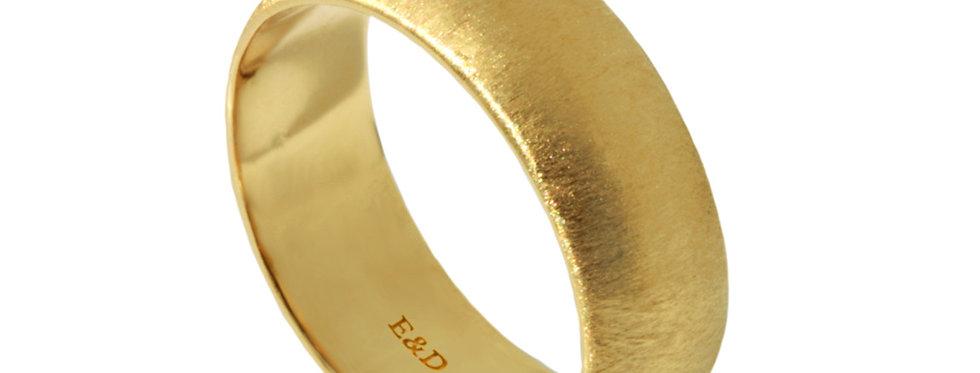 טבעת נישואין חצי מעוגלת זהב מוברש