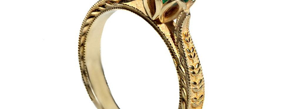 טבעת עלים ופרח האזמרגד