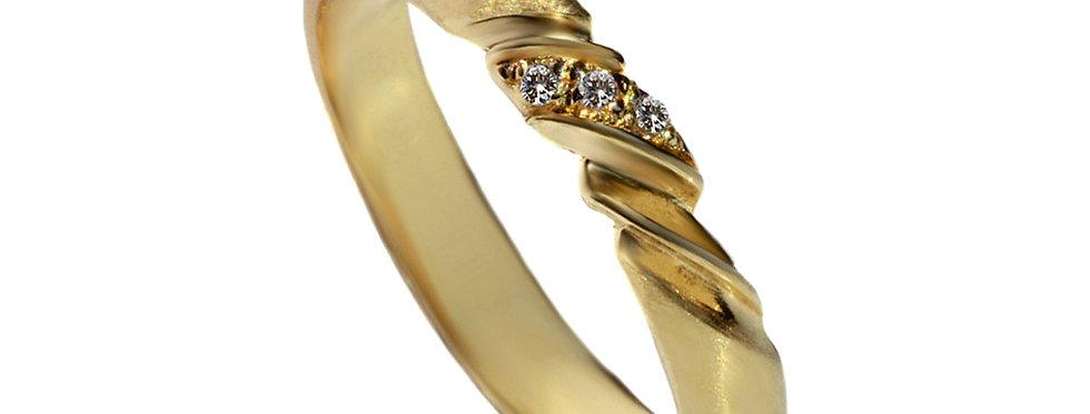 טבעת טוויסט 3 יהלומים