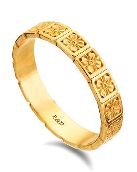 טבעת נישואין פרחים, טבעת נישואים לאישה בזהב צהוב, טבעת נישואין לכלה , טבעת מעוצבת במחיר מבצע הנחה, טבעת פרחונית, טבעת זהב חריטות פרחים, טבעת עדינה דקה לאישה, טבעת נישואין מיוחדת, חנות תכשיטים בחיפה קריות והצפון