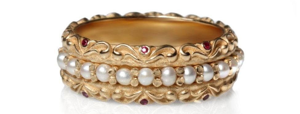 טבעת 'מכרה הפנינים' זהב ואבני רובי