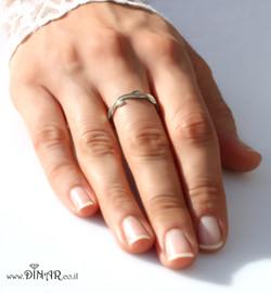 טבעת נישואין לכלה זהב לבן עלים דקה